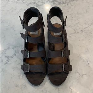 DV Dolce Vita Charcoal LeeAnn Buckle Wedge Sandals